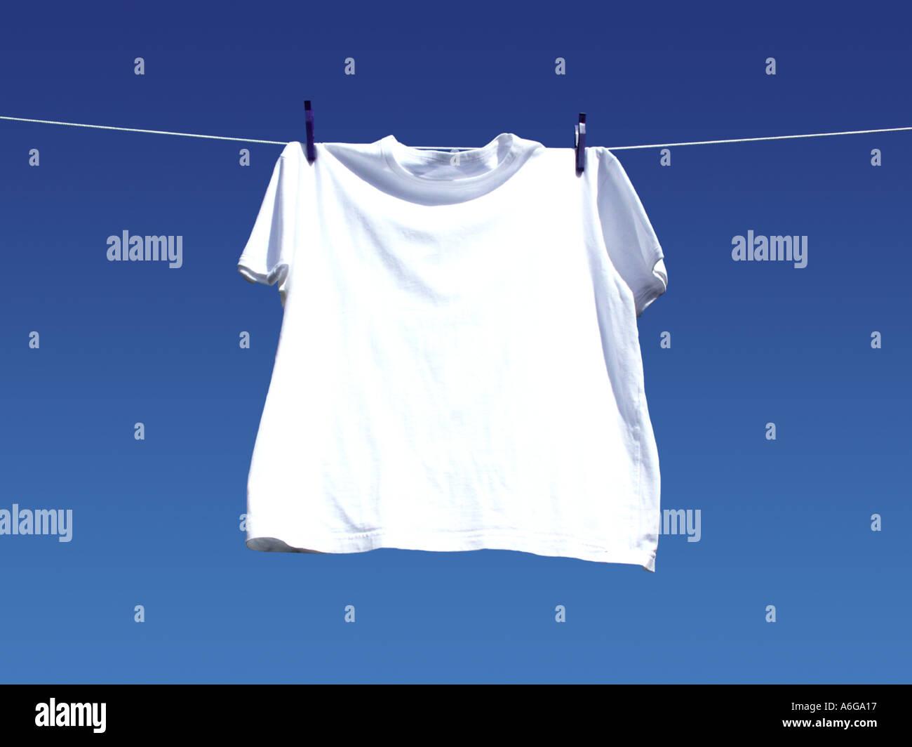 t shirt line washing laundry one 1 single peg white hang. Black Bedroom Furniture Sets. Home Design Ideas