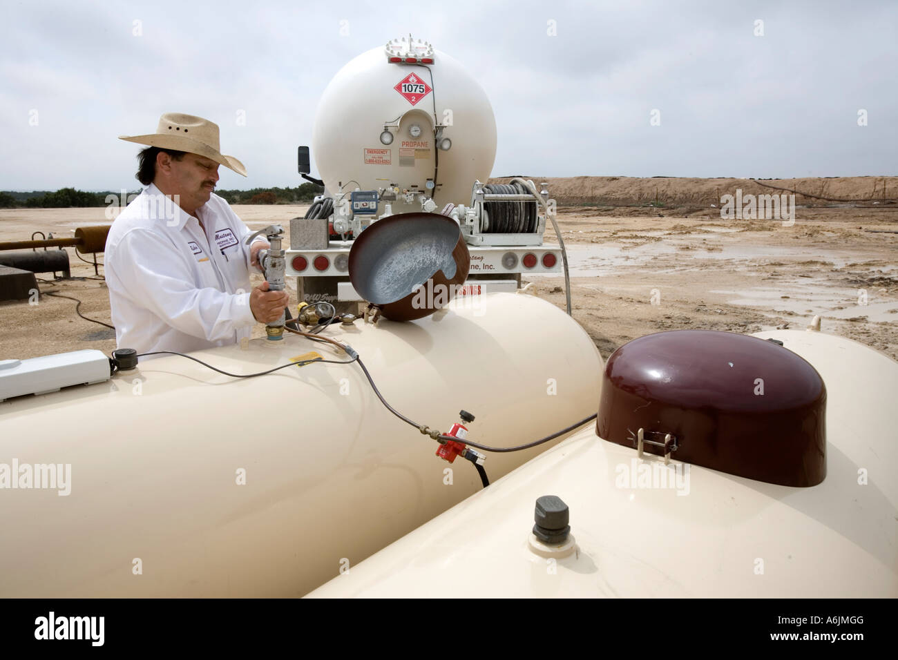 Delivering propane - Stock Image