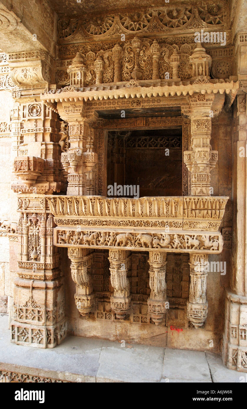 Detail of the exquisitely carved Adalaj Step-well near Ahmedabad,Gujarat,India - Stock Image