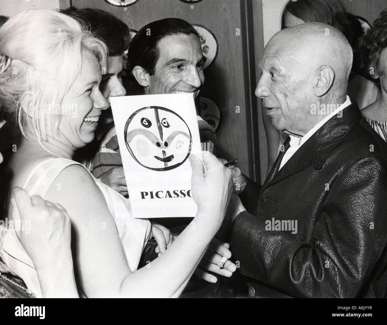 PABLO PICASSO Spanish artist signs an autograph - Stock Image