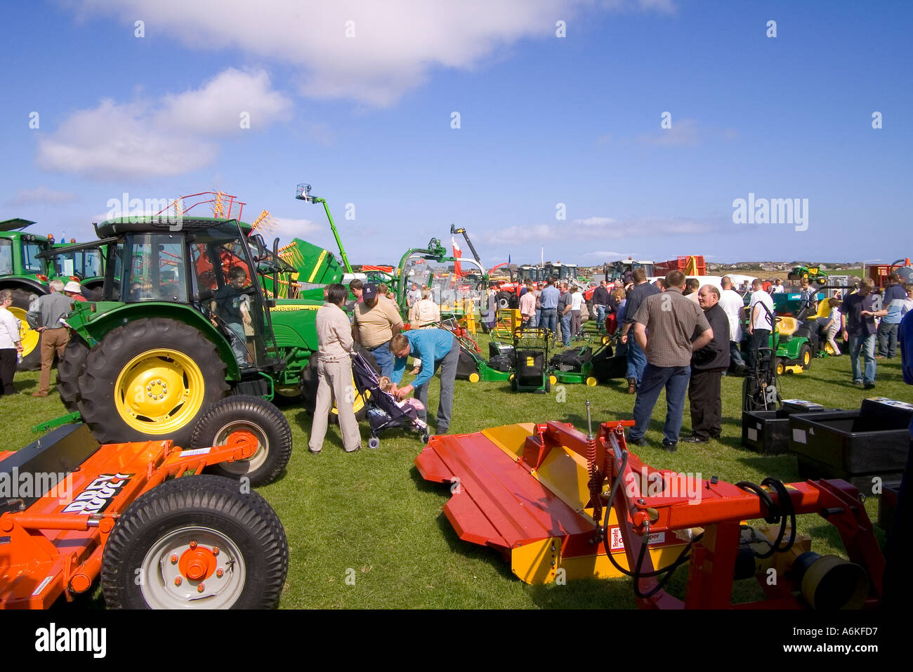 dh County Show KIRKWALL ORKNEY John Deere tractors machines at show ground display farming equipment uk Stock Photo