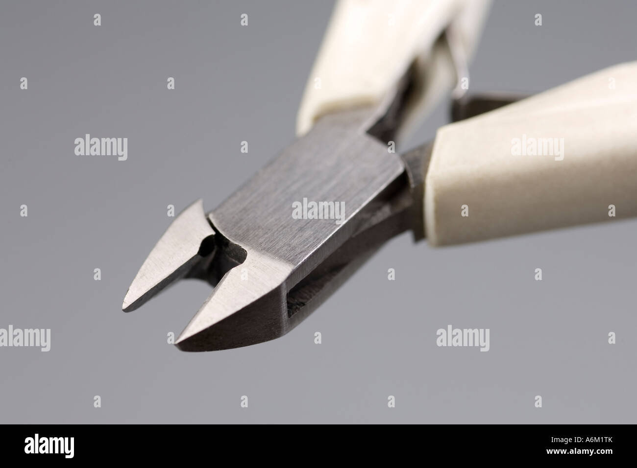 Wire Cutters Stock Photos & Wire Cutters Stock Images - Alamy