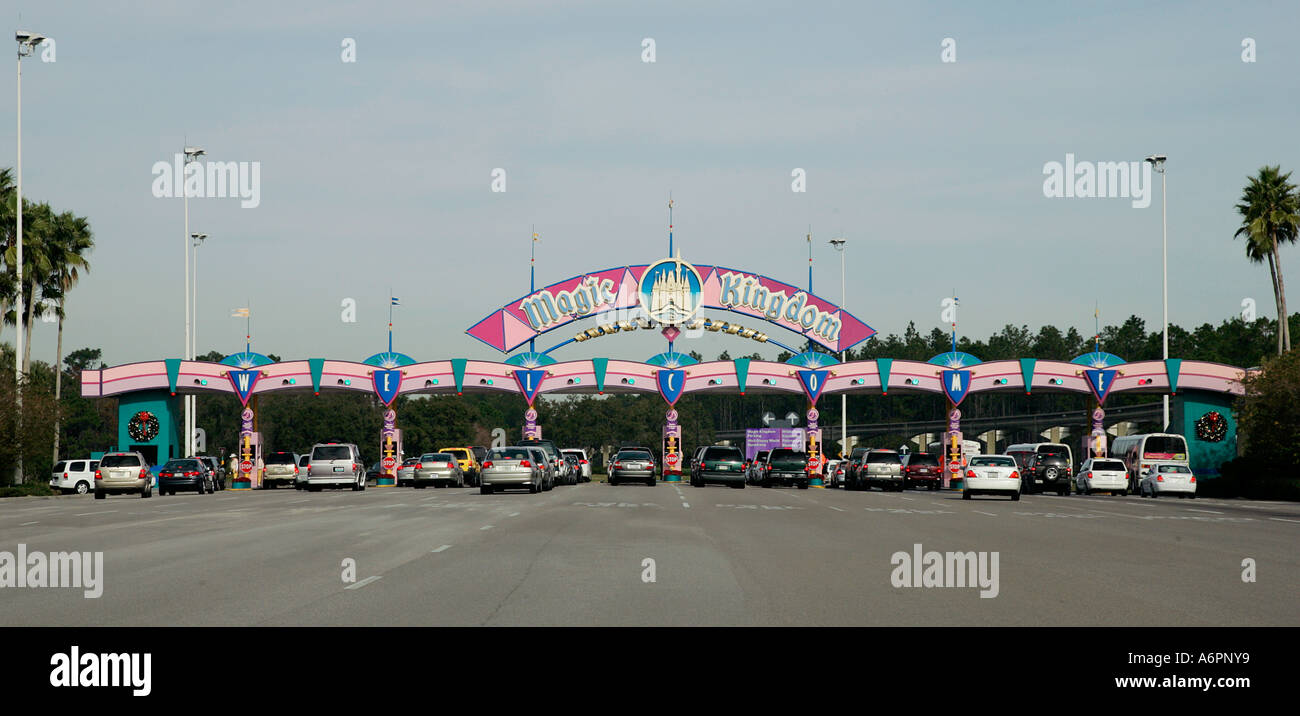 Entrance Logo Totem Car Traffic Magic Kingdom At Walt Disney World