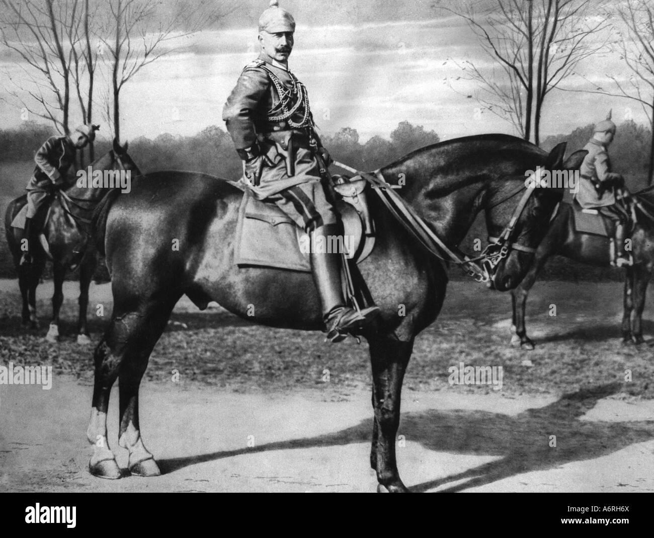 William II, 27.1.1859 - 4.6.1941, German Emperor, 15.6.1888 - 9.11.1918, full length, sitting, horse, 1914, riding, uniform, mil Stock Photo