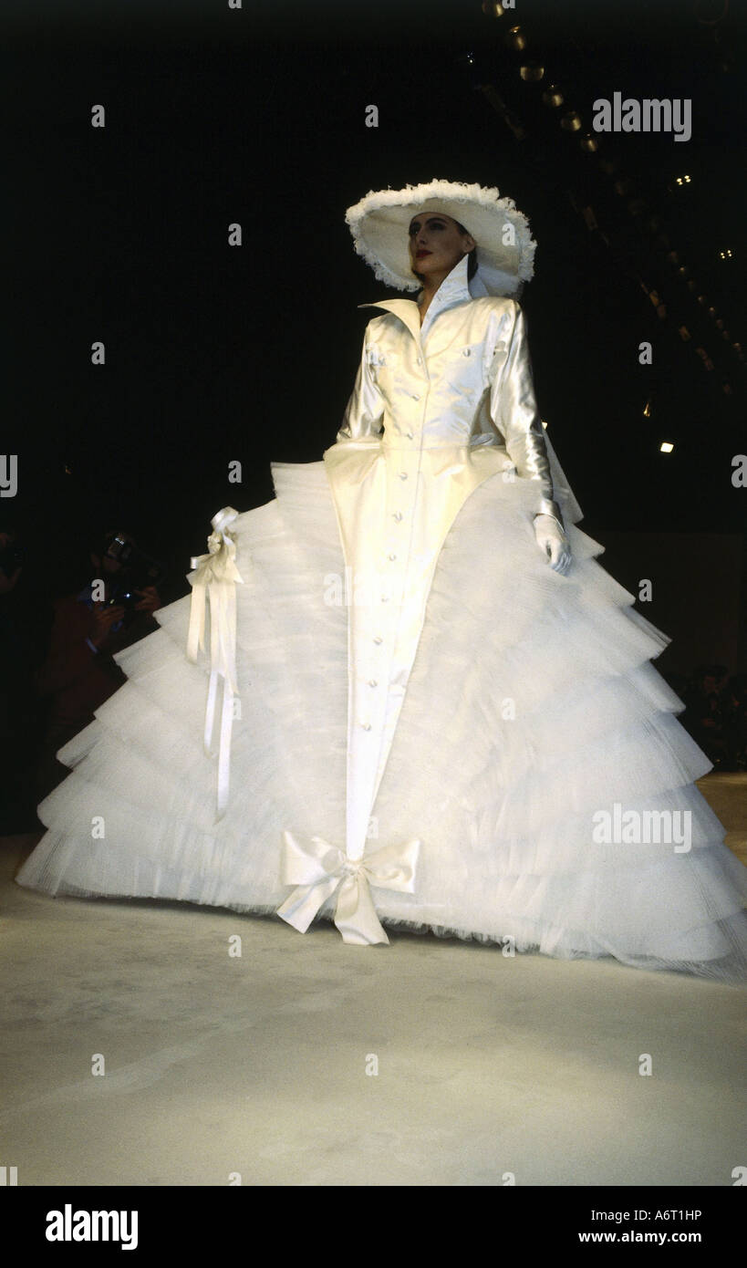 1980s Wedding Dress Stock Photos & 1980s Wedding Dress Stock Images ...
