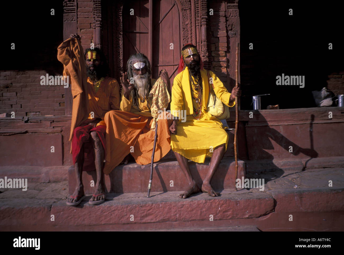 India, Khatmandu. Naga Sadus at Hindu Temple. - Stock Image