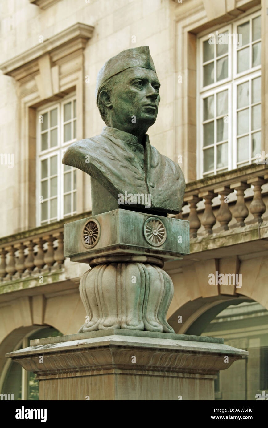 London bust of Jawaharlal Nehru prime minister of India 1947 to 1964 - Stock Image