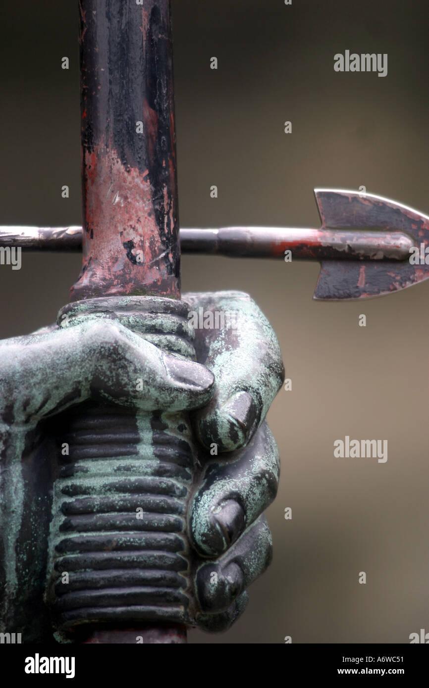 Robin Hood Statue by James Woodford 1951 outside Nottingham Castle - Stock Image