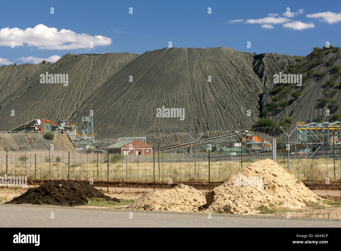 The Combined Treatment Plant CTP run by the De Beers company to re process diamond mine tailings in Kimberley South - Stock Image