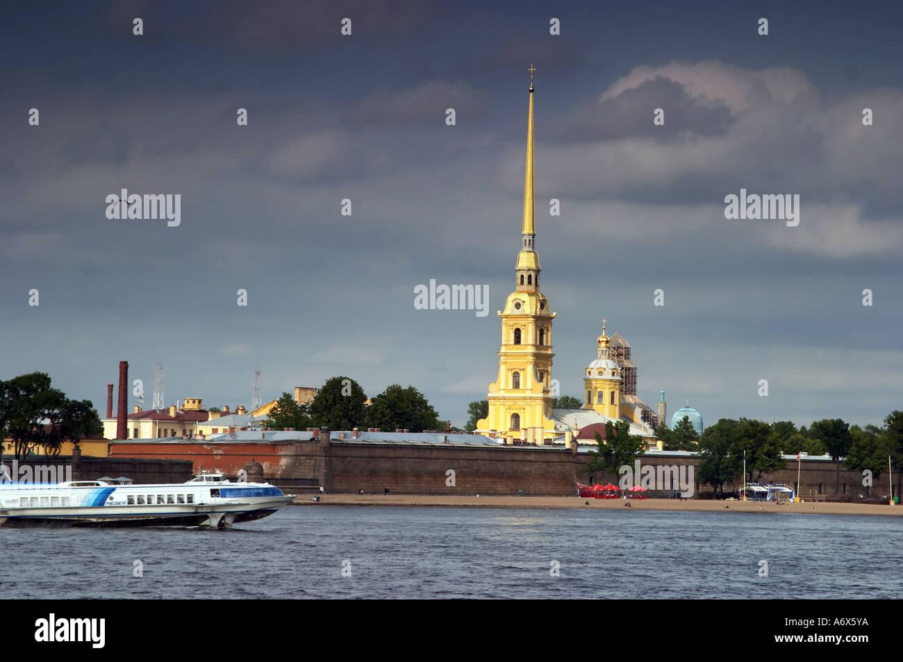 St Petersburg Neva river with spead boat Petropavlovskaya krepost Stock Photo