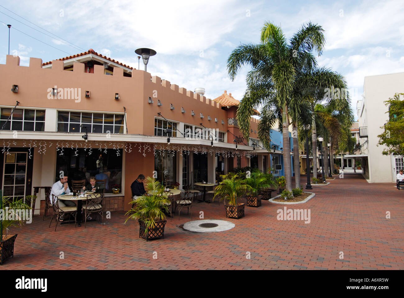 Patio De Leon In Historical Downtown Ft Fort Myers Florida