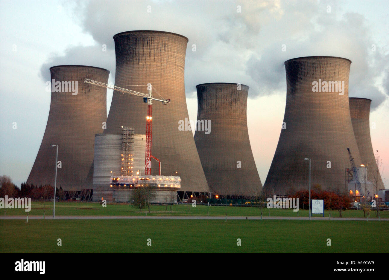 The Cooling Towers at the Cottam Power Plant in the village of Cottam in Nottinghamshire - Stock Image