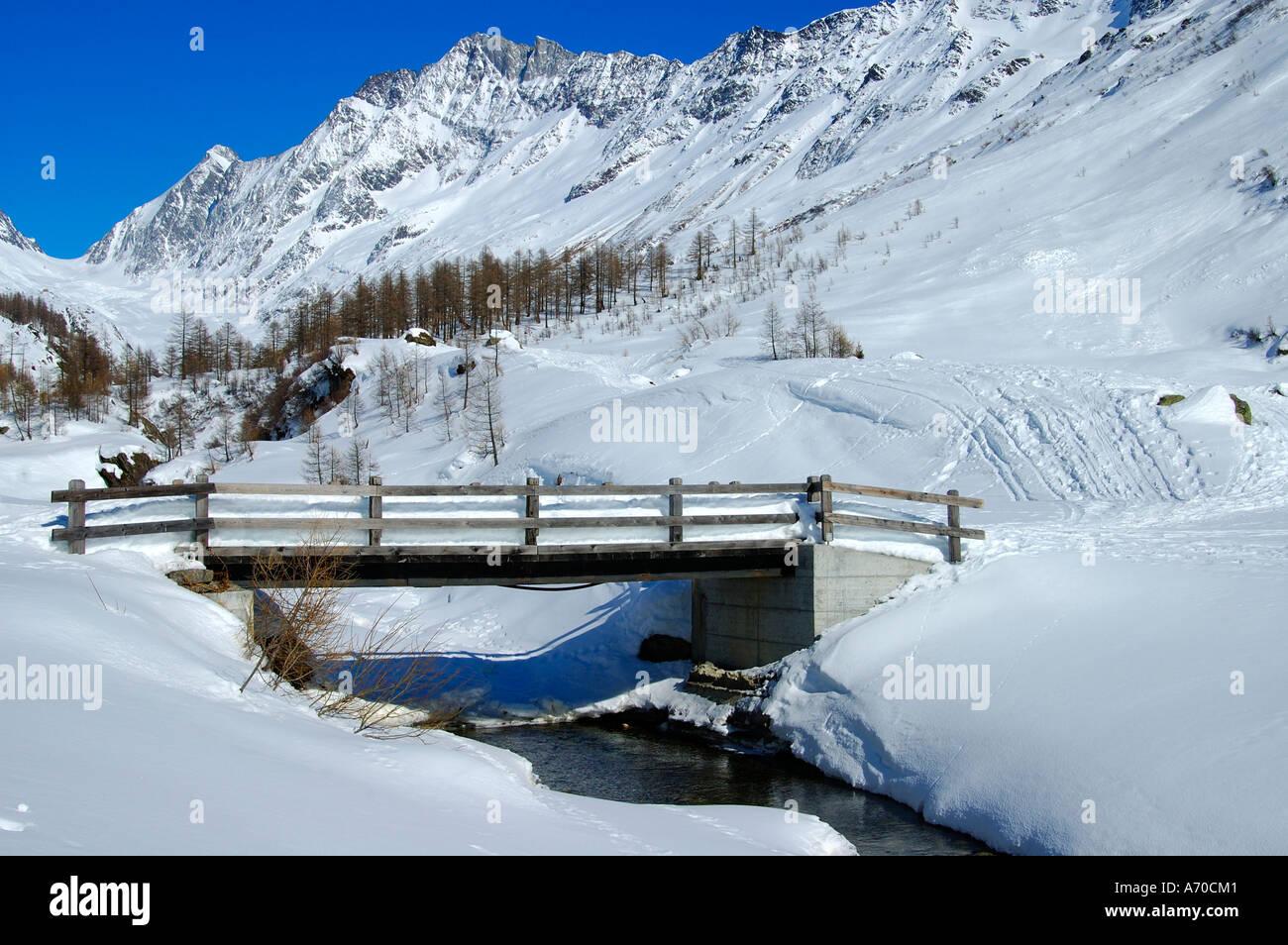 Winter day at Fafleralp Loetschenluecke Wallis Switzerland Stock Photo