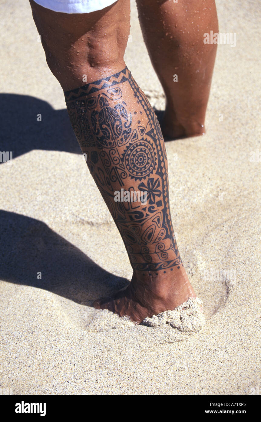 Woman with ethnic tattoo on her leg Hawaii Stock Photo: 6683876 - Alamy