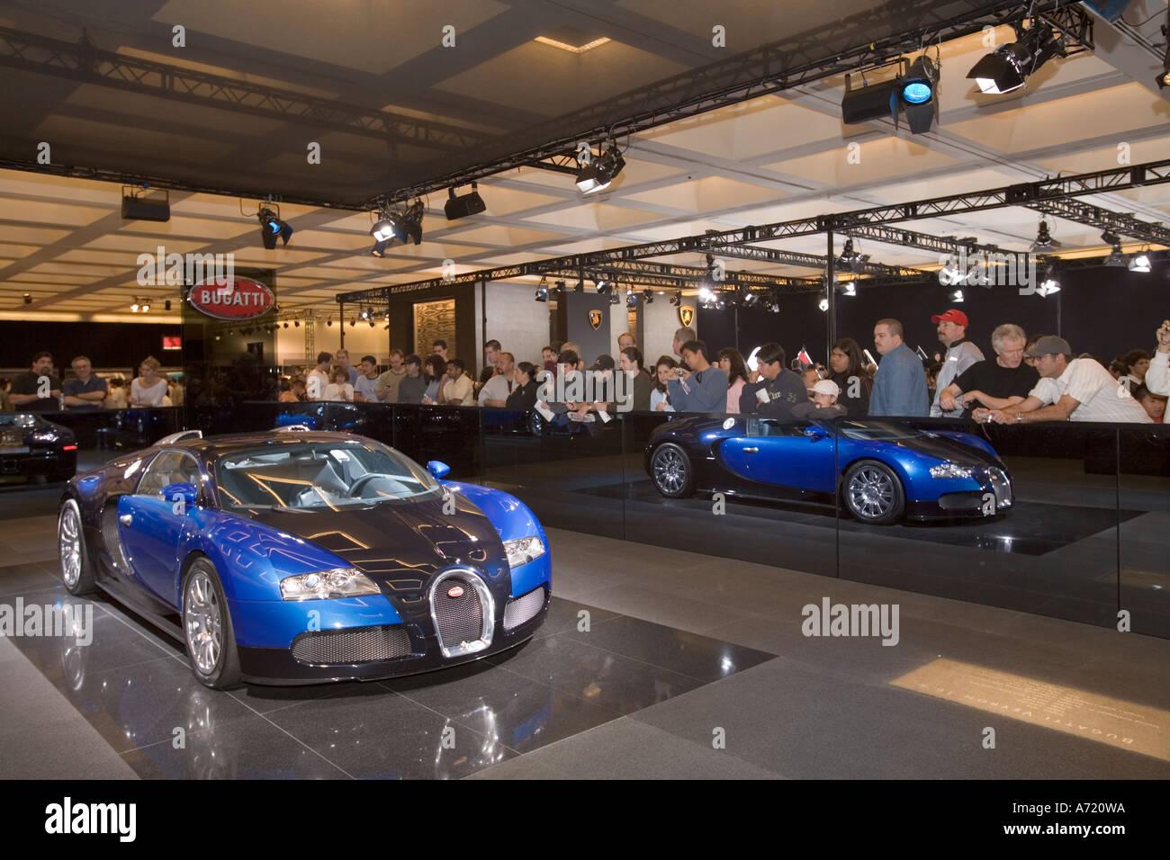 Bugatti Veyron Car Stock Photos Bugatti Veyron Car Stock Images - Auto car show convention center