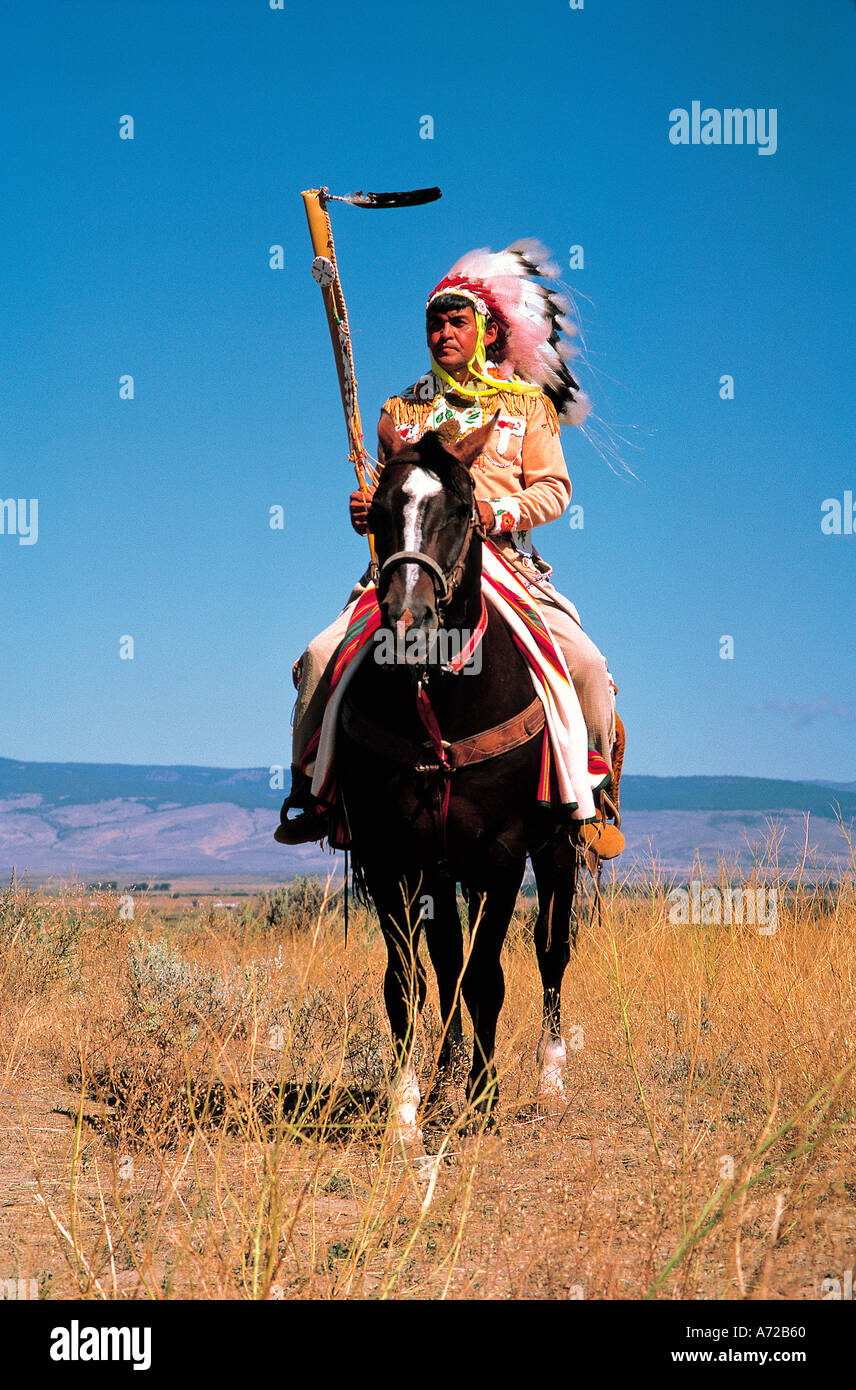 Yakima Indian In Native Costume On Horse In Washington State Stock Photo Alamy