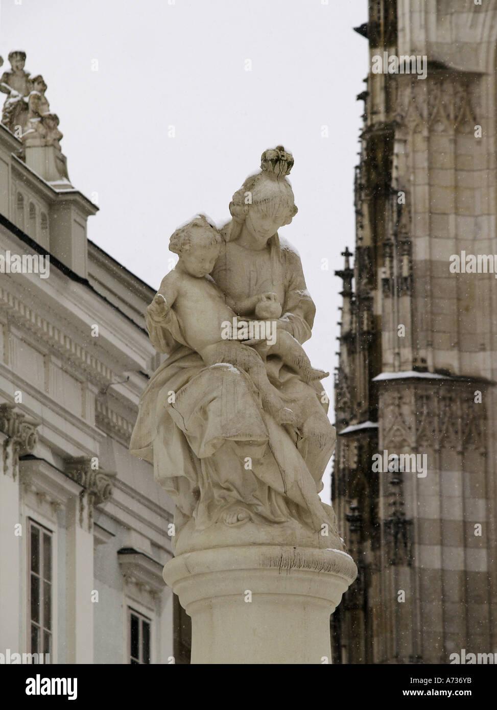 Passau, city view statue of Virgin Mary and Jesus Stock Photo