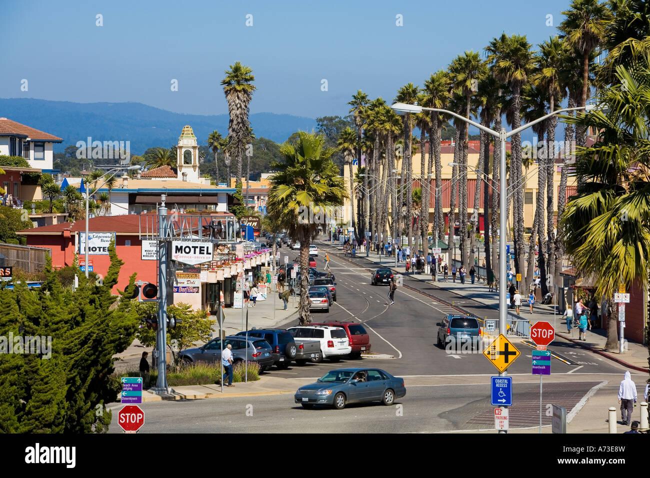 view over the main street in santa cruz california usa. Black Bedroom Furniture Sets. Home Design Ideas