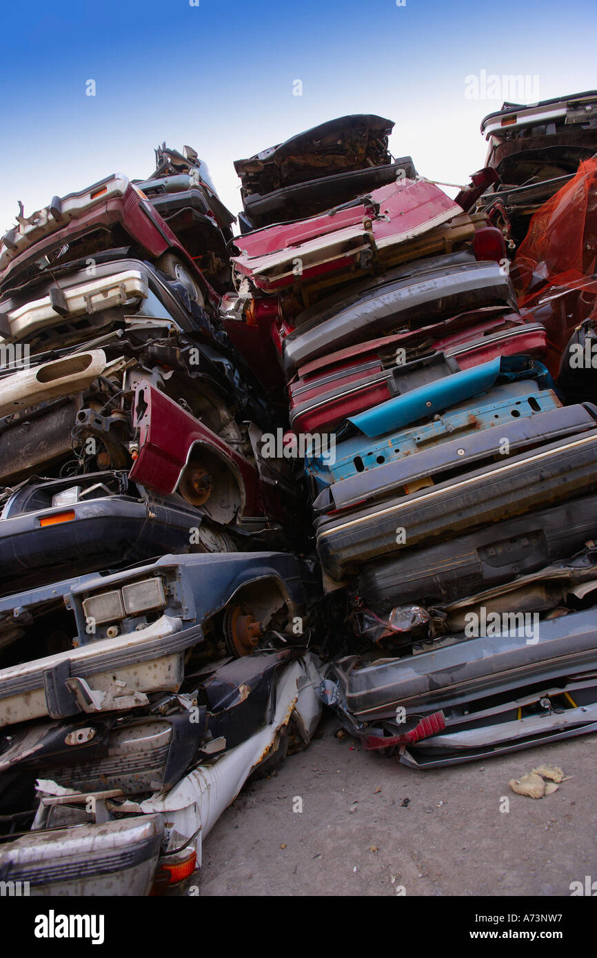 Cars piled in a scrap metal lot Stock Photo: 6693718 - Alamy