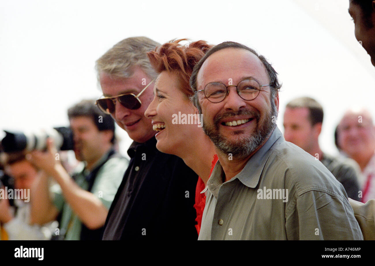 CANNES FILM FESTIVAL FRANCE L R MIKE NICHOLLS DIRECTOR EMMA THOMPSON AND WRITER JOE KLEIN WHO WROTE PRIMARY COLORS - Stock Image