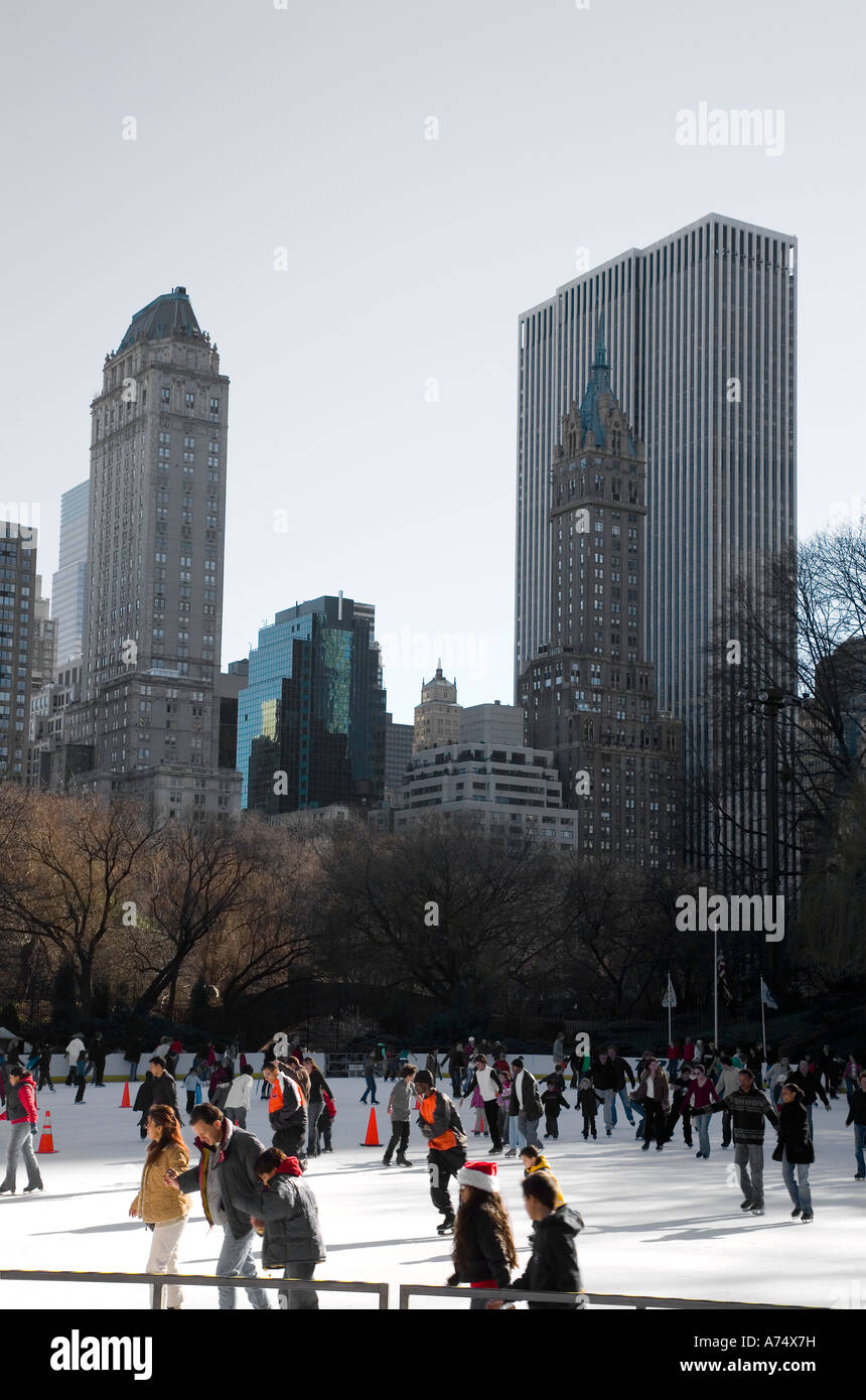 skaters in central park - Stock Image