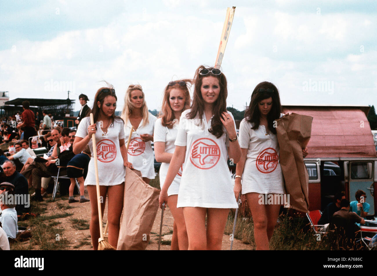 Keep Britain Tidy publicity girls at Silverstone 1970 - Stock Image
