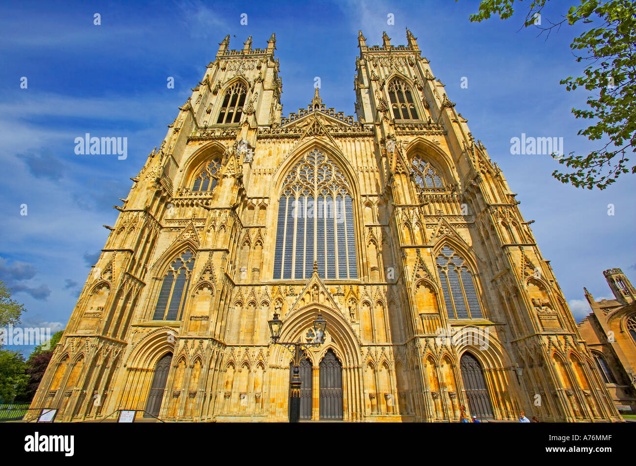 The main facade of the splendid York Minster in the late afternoon - Stock Image