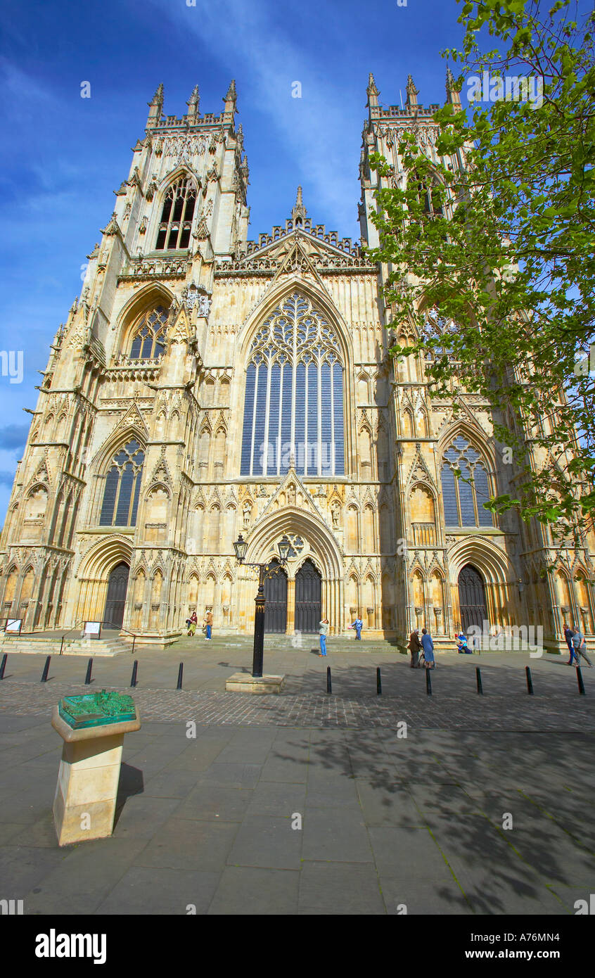 The main facade of the splendid York Minster in late afternoon sunlight - Stock Image