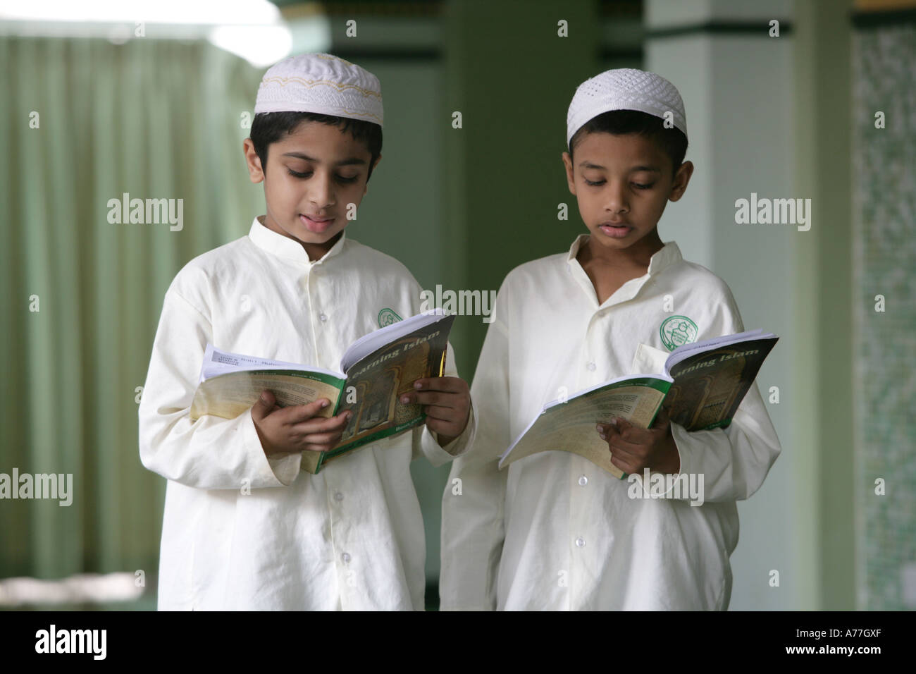 SGP Singapore Abdul Gafoor mosque in Little India Koran lessons for boys - Stock Image