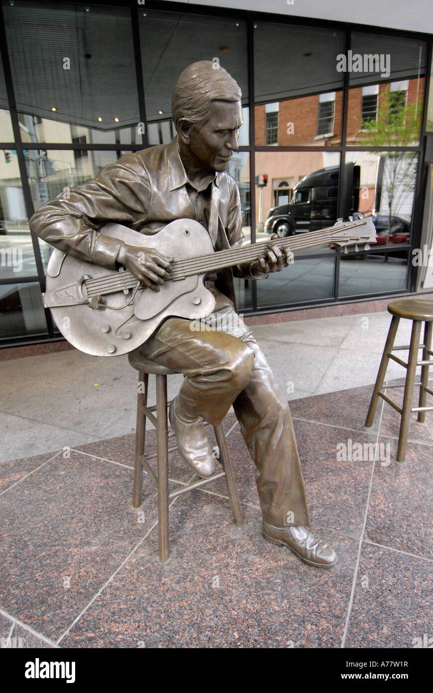 Statue of Chet Atkins Country Music Legend in front of Bank of America building Nashville Tennessee TN - Stock Image