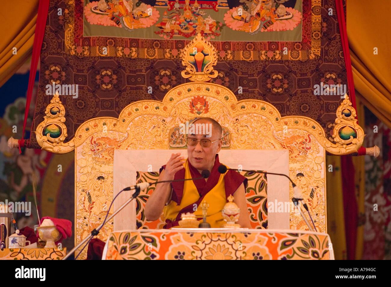 Dalai Lama giving a talk at the Kalachakra ceremony in Amaravati India - Stock Image