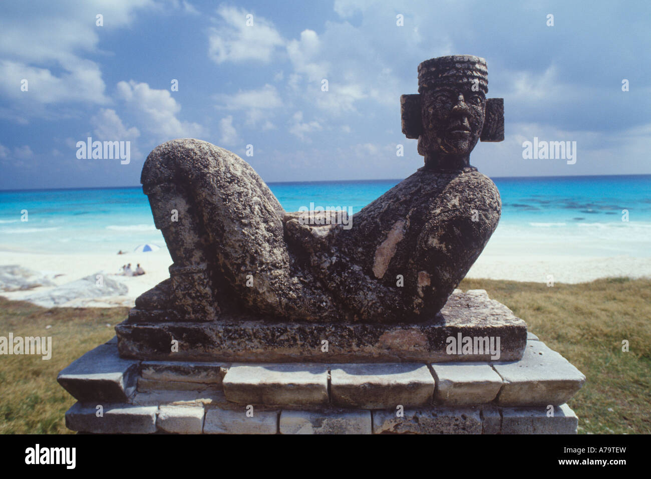 Replica  of the mayan statue Chac Mol on beach in Cancun, Mexico - Stock Image