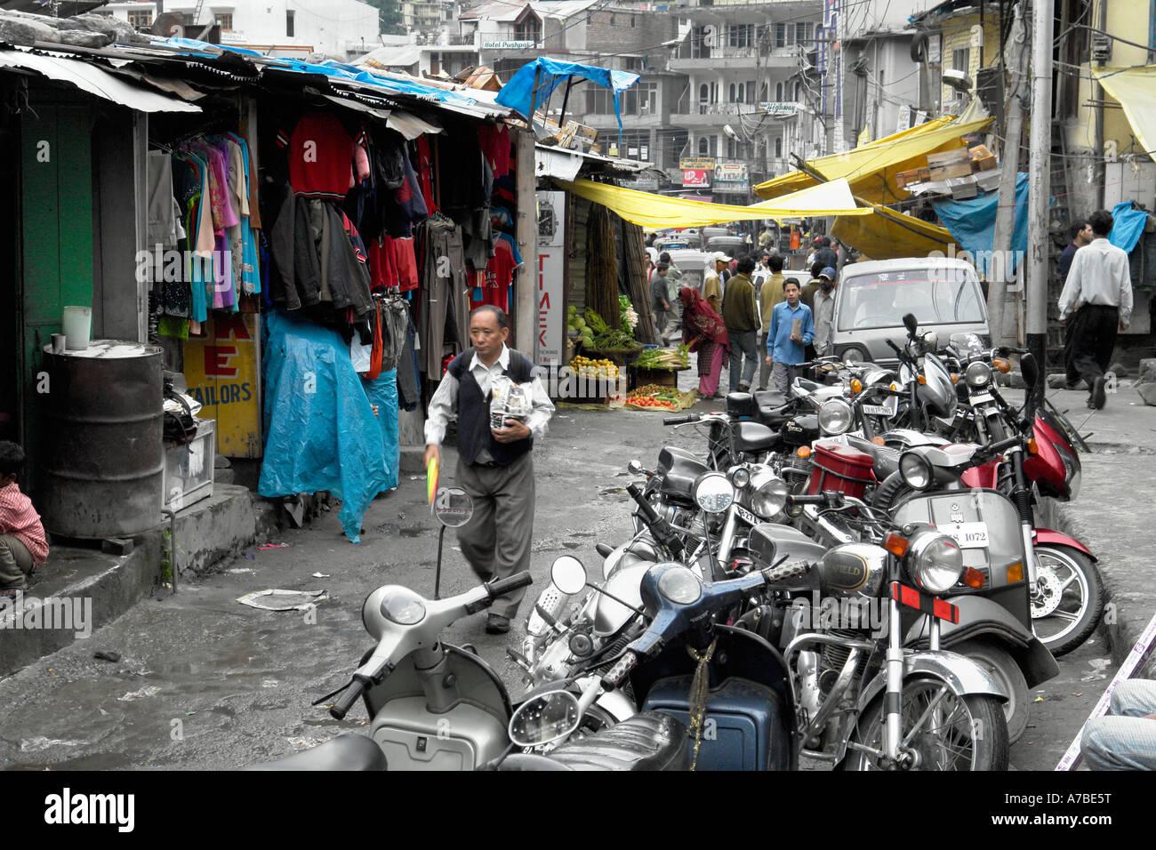 manali backstreet scene - Stock Image