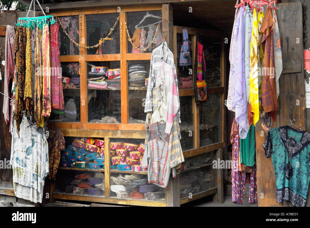 manali clothes store - Stock Image