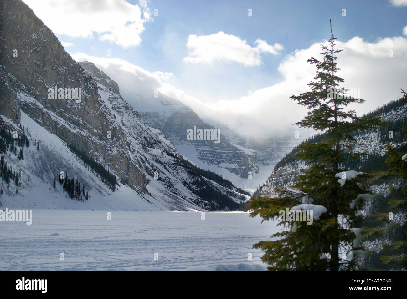 Mountain landscape, frozen lake - Stock Image