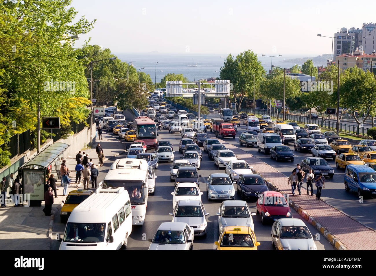 Heavy traffic on Istanbul city road at Ortakoy - Stock Image