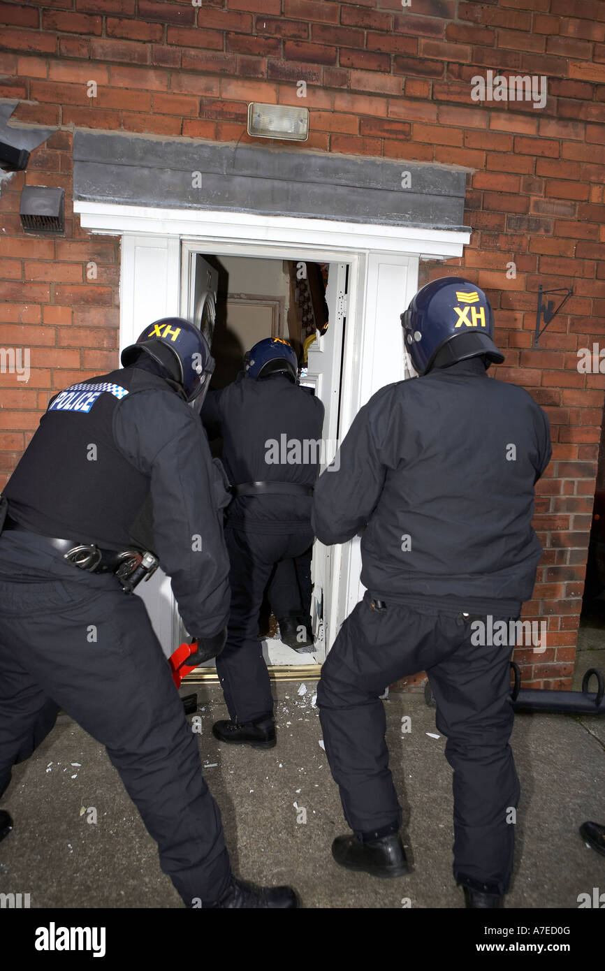 Forced Entry Door Stock Photos & Forced Entry Door Stock