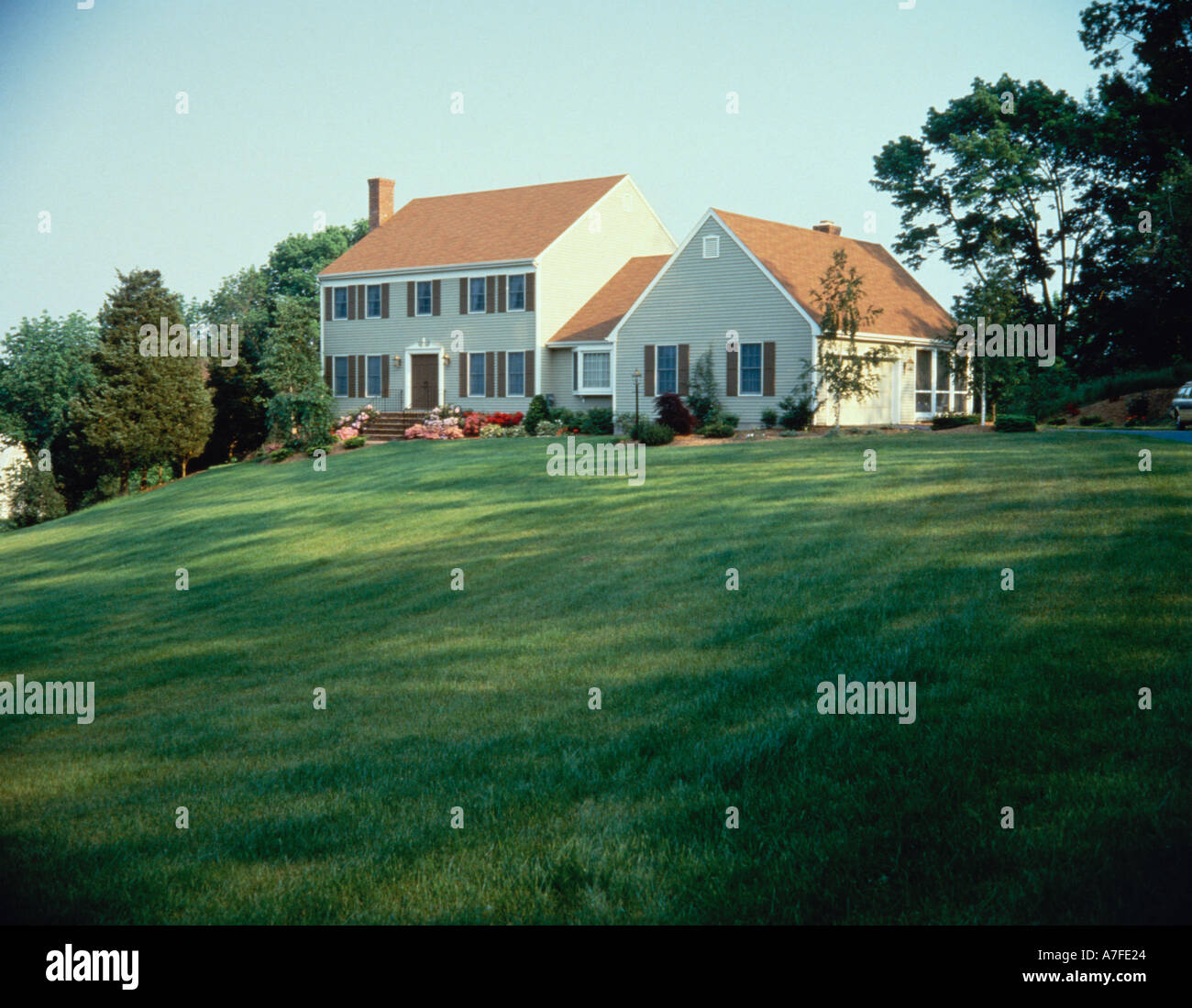 Frame House With Enclosed Breezeway To Garage Screened In Back Porch Stock Photo Alamy