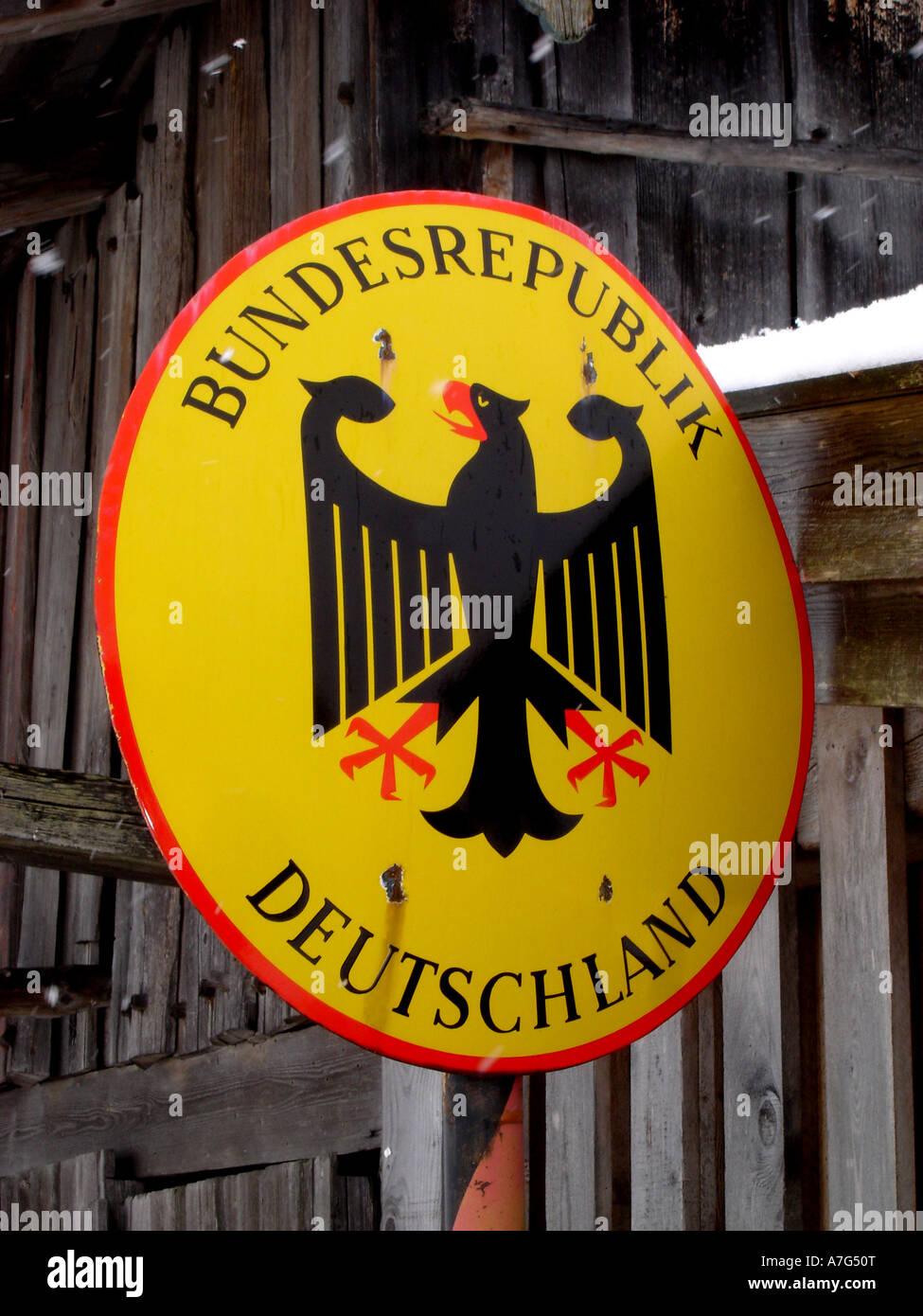 Deutsche Grenze im Schnee German frontier in the snow - Stock Image