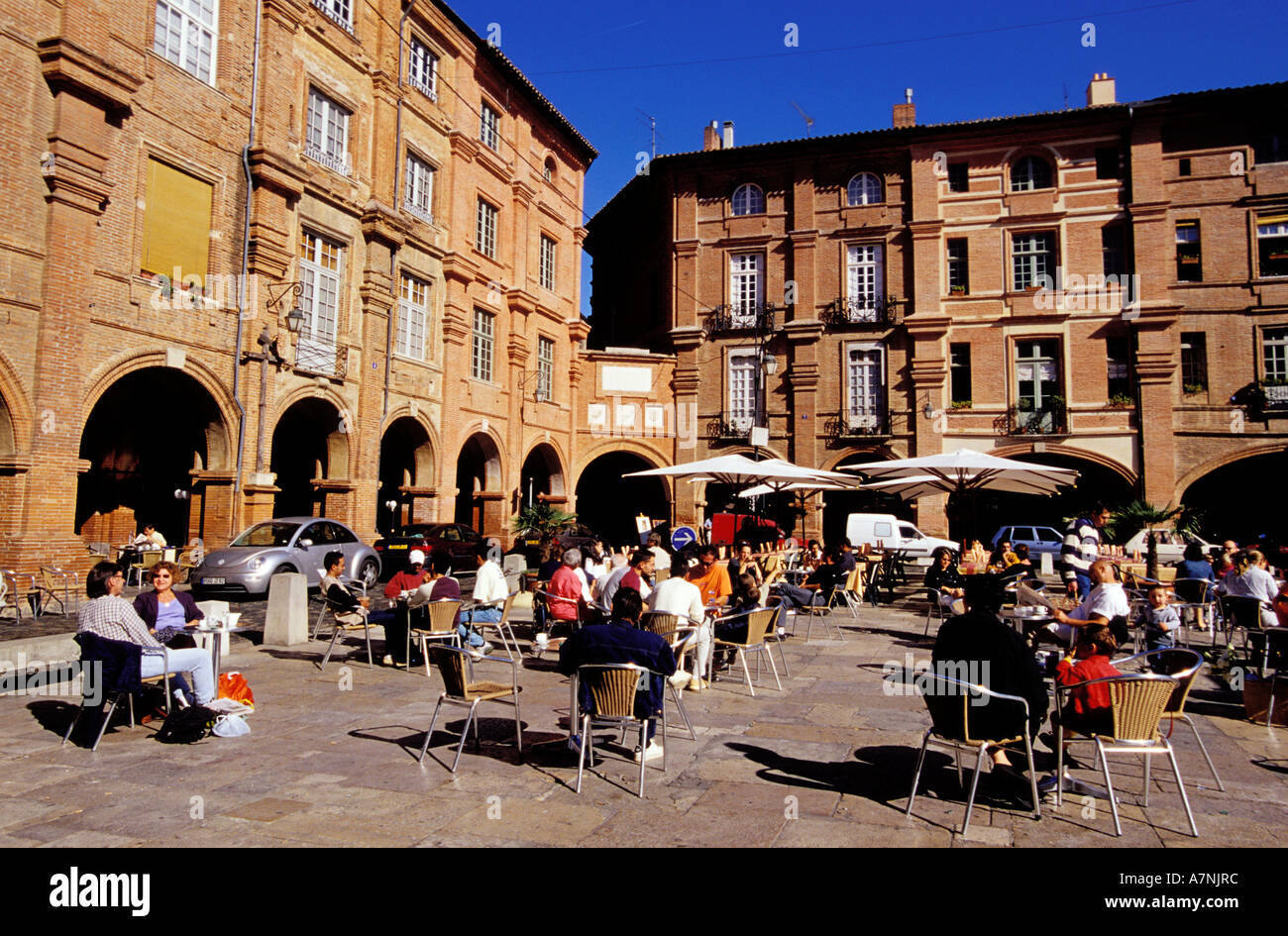 France, Tarn et Garonne, Montauban, cafe terraces on Place Nationale - Stock Image