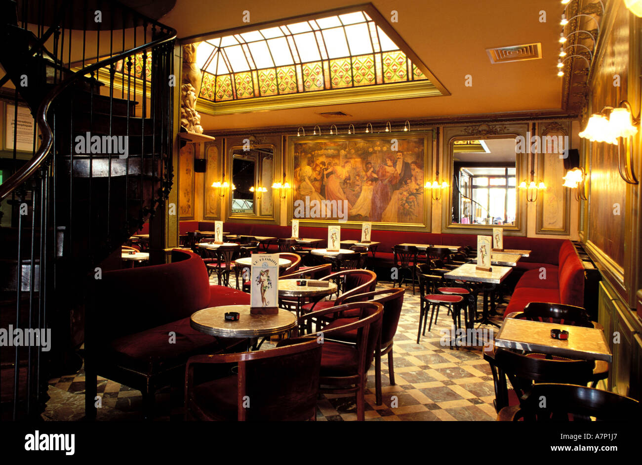 france haute garonne toulouse florida art deco cafe on place du stock photo 6791910 alamy. Black Bedroom Furniture Sets. Home Design Ideas