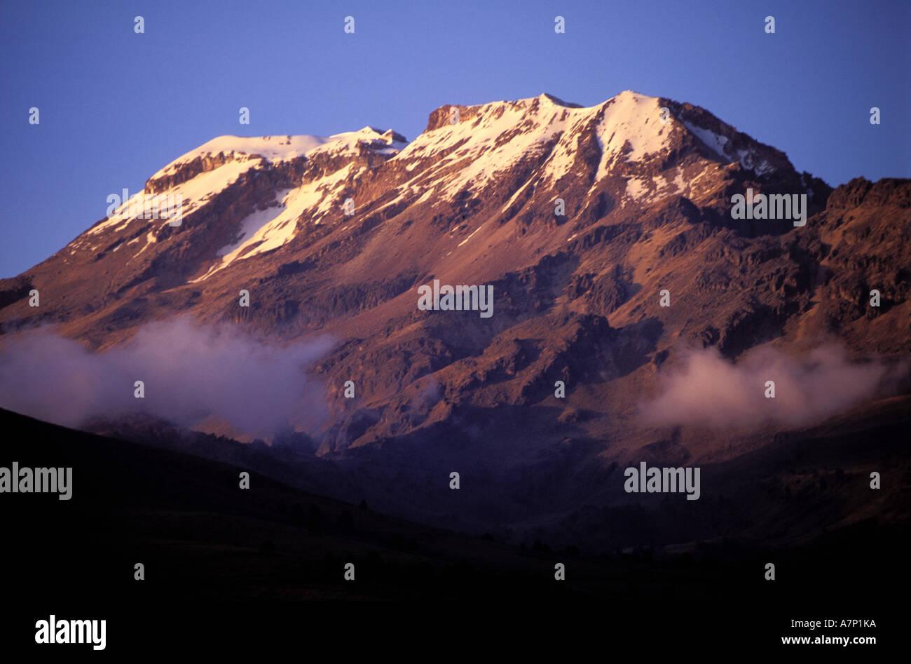 Mexico, Puebla State, Popocatepetl volcano (17, 887 ft) - Stock Image