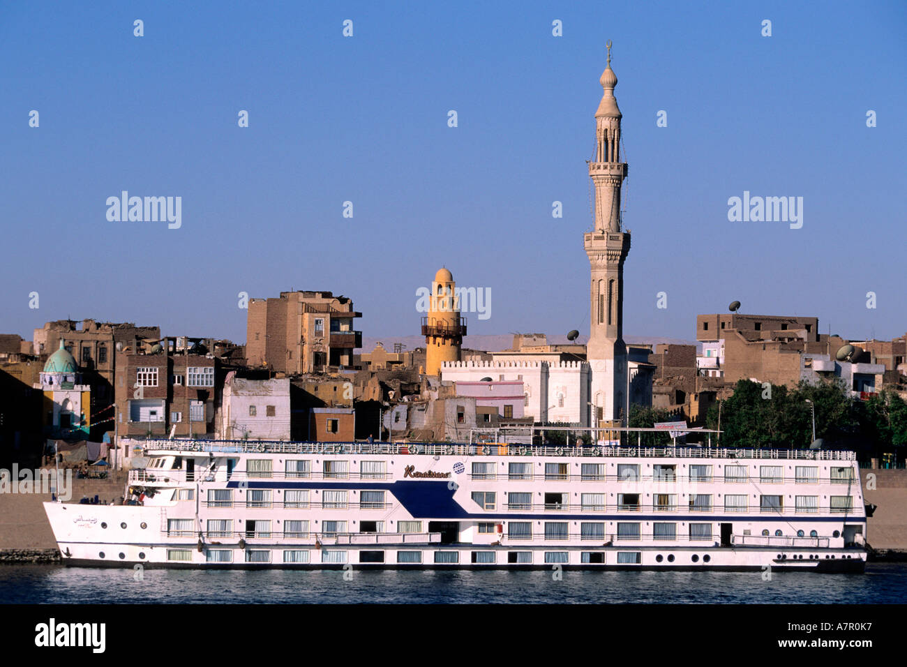 Egypt, Edfou, cruise ship on the Nile river - Stock Image