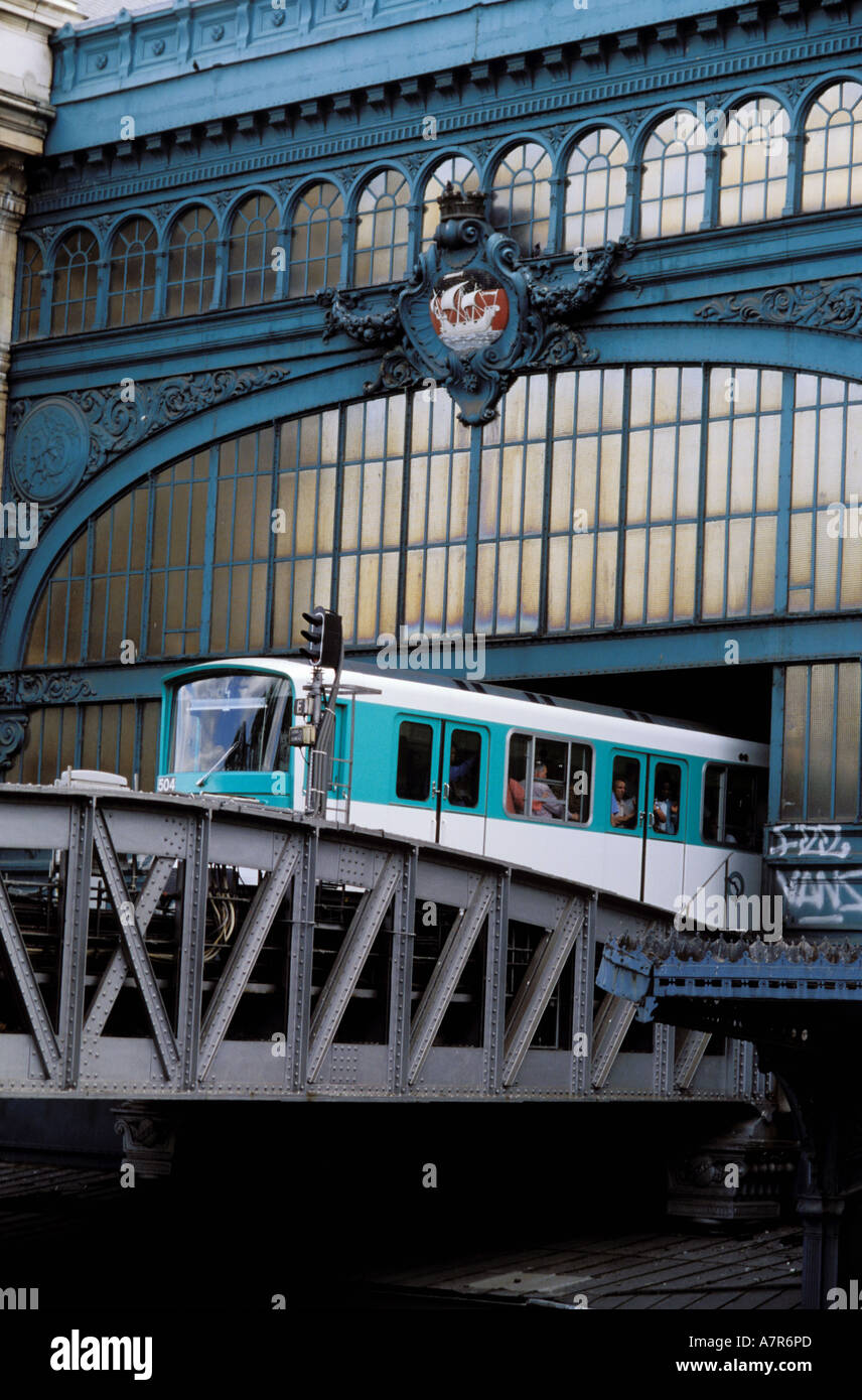 France, Paris, elevated railway in Austerlitz train station - Stock Image