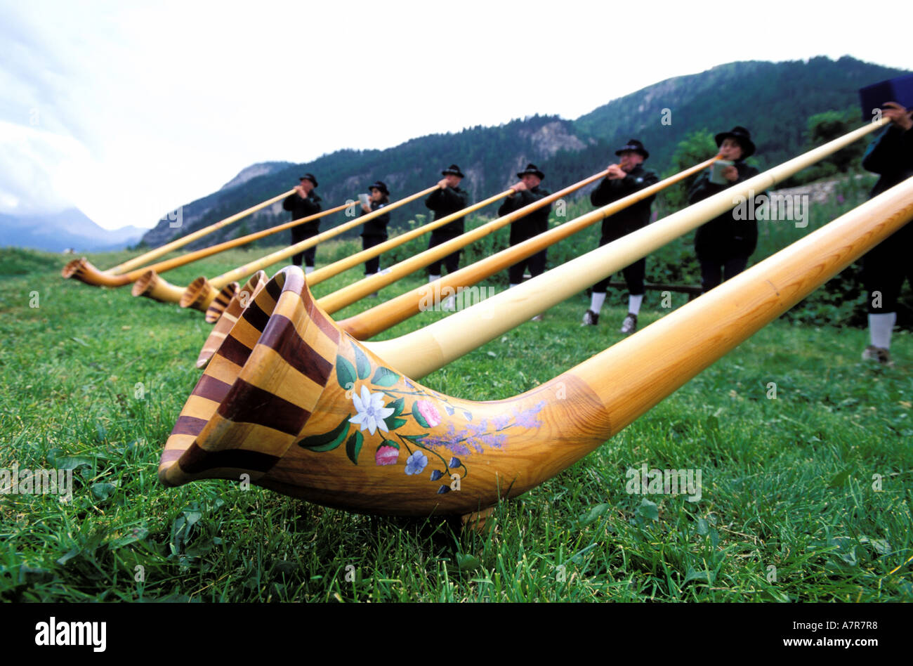 France, Hautes Alpes, Vallee Etroite at the French and Italien border, Briansonneurs alp horn players - Stock Image