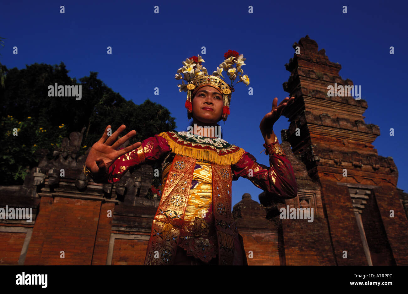 Indonesia, Bali island, Legong dancer in front of temple Batukau Odalan - Stock Image