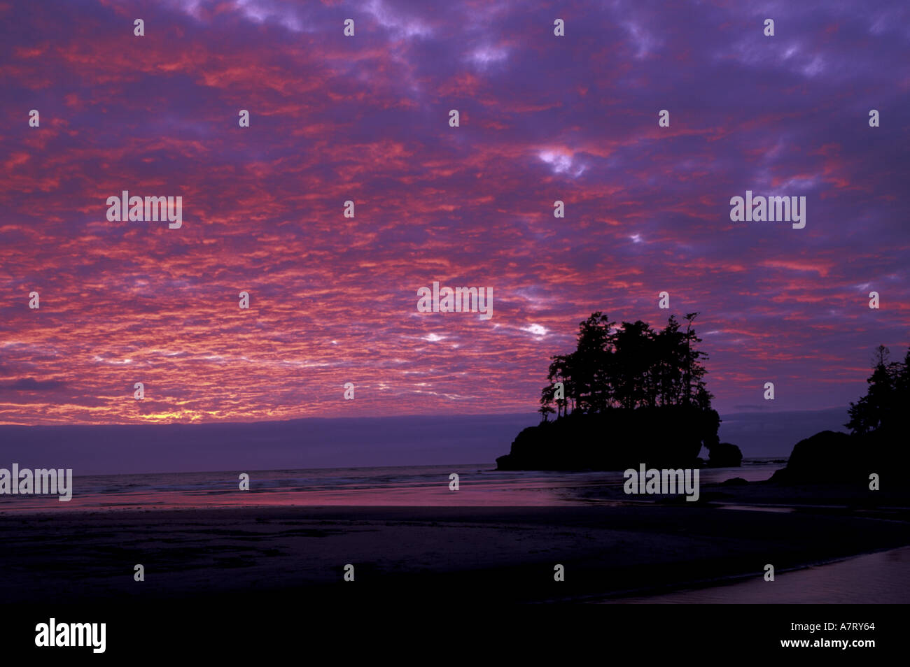 N.A., USA, Washington, Sunset at Tounge Point near Salt Creek Recreational Area - Stock Image