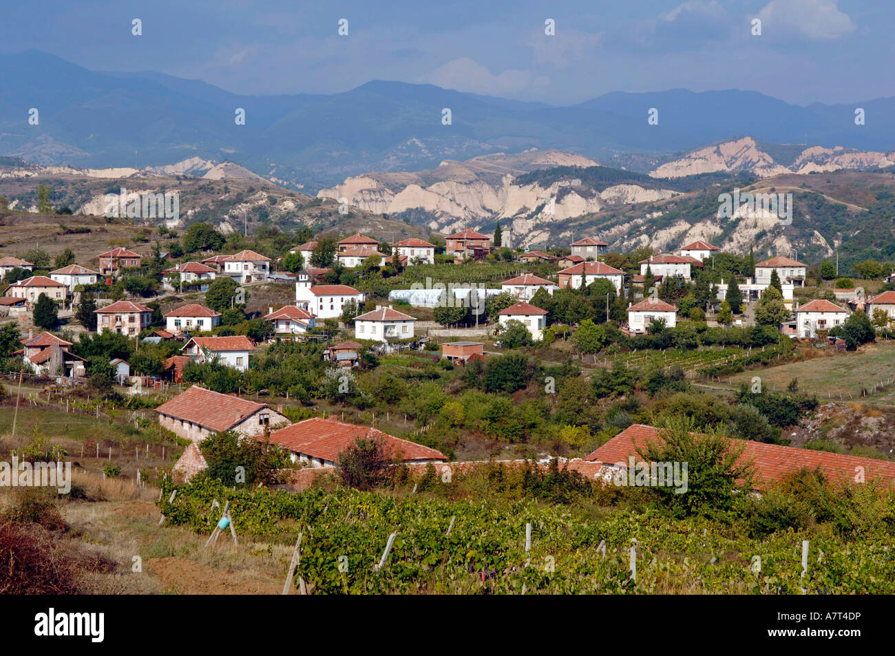 Houses in valley, Bulgaria - Stock Image