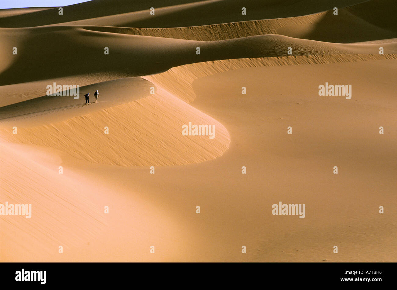 Niger, Sahara, Tenere desert, hiking in Arakao sand dunes