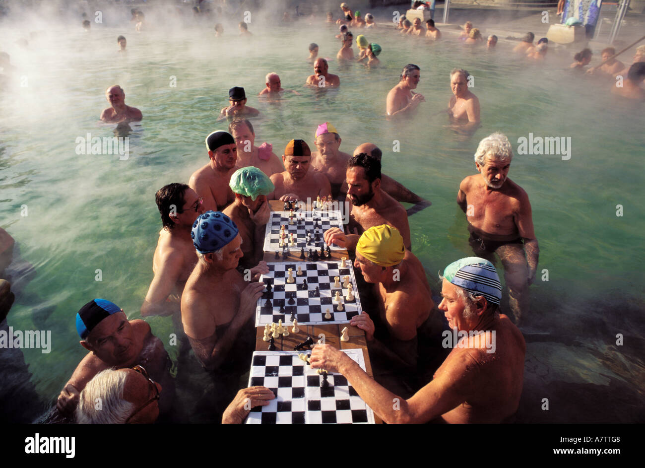 Hungary, Budapest, chess players in the famous Szechenyi baths at Pest - Stock Image